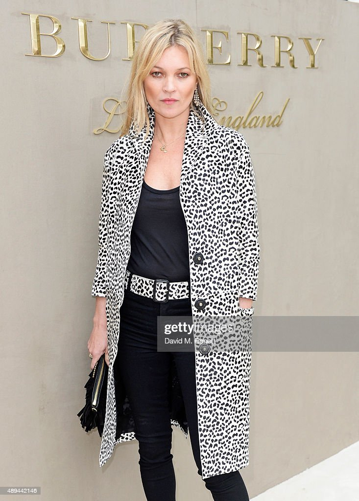 Kate Moss arrives at Burberry Womenswear Spring/Summer 2016 show during London Fashion Week at Kensington Gardens on September 21, 2015 in London, England.