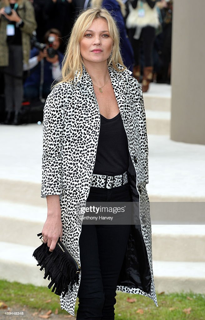 <a gi-track='captionPersonalityLinkClicked' href=/galleries/search?phrase=Kate+Moss&family=editorial&specificpeople=201830 ng-click='$event.stopPropagation()'>Kate Moss</a> attends the Burberry Prorsum show during London Fashion Week Spring/Summer 2016/17 on September 21, 2015 in London, England.