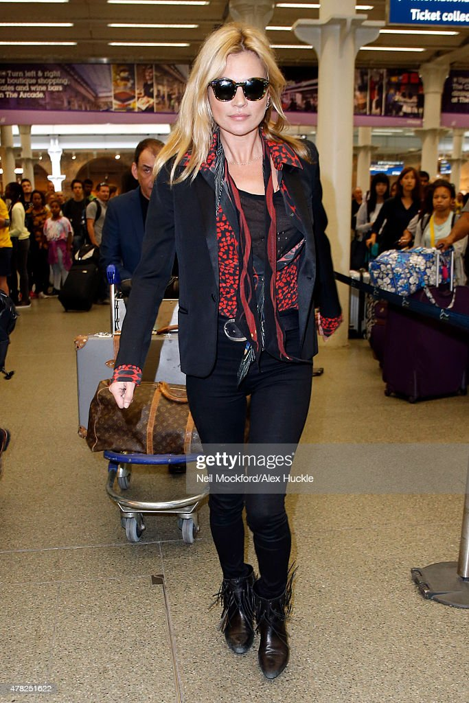 Kate Moss seen arriving at St Pancras station after visiting Paris on the Eurostar on June 24 2015 in London England Photo by Neil Mockford/Alex...