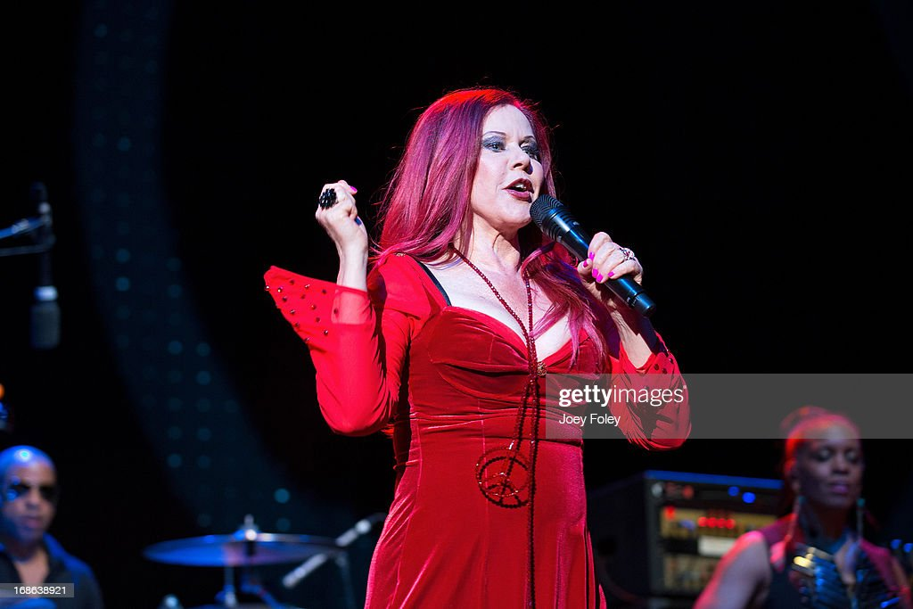 <a gi-track='captionPersonalityLinkClicked' href=/galleries/search?phrase=Kate+Pierson&family=editorial&specificpeople=213573 ng-click='$event.stopPropagation()'>Kate Pierson</a> of The B-52's performs onstage during the Julep Ball 2013 during the 139th Kentucky Derby at KFC YUM! Center on May 3, 2013 in Louisville, Kentucky.