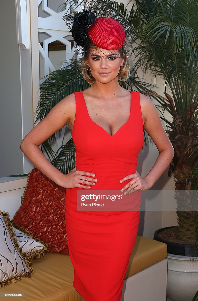 Kate Upton arrives during Melbourne Cup Day at Flemington Racecourse on November 5, 2013 in Melbourne, Australia.