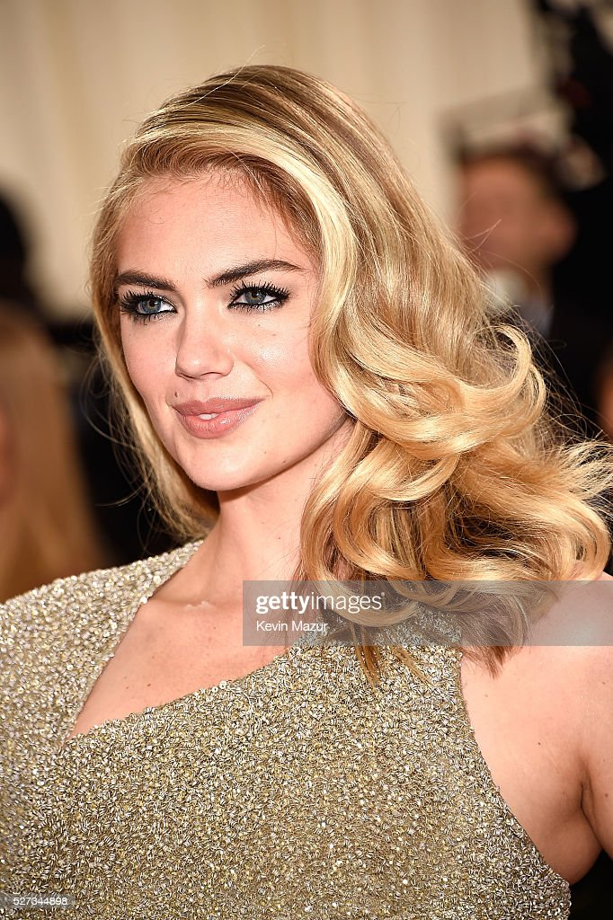 Kate Upton attends 'Manus x Machina: Fashion In An Age Of Technology' Costume Institute Gala at Metropolitan Museum of Art on May 2, 2016 in New York City.