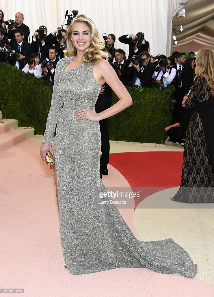 <a gi-track='captionPersonalityLinkClicked' href=/galleries/search?phrase=Kate+Upton&family=editorial&specificpeople=7488546 ng-click='$event.stopPropagation()'>Kate Upton</a> attends the 'Manus x Machina: Fashion In An Age Of Technology' Costume Institute Gala at Metropolitan Museum of Art on May 2, 2016 in New York City.