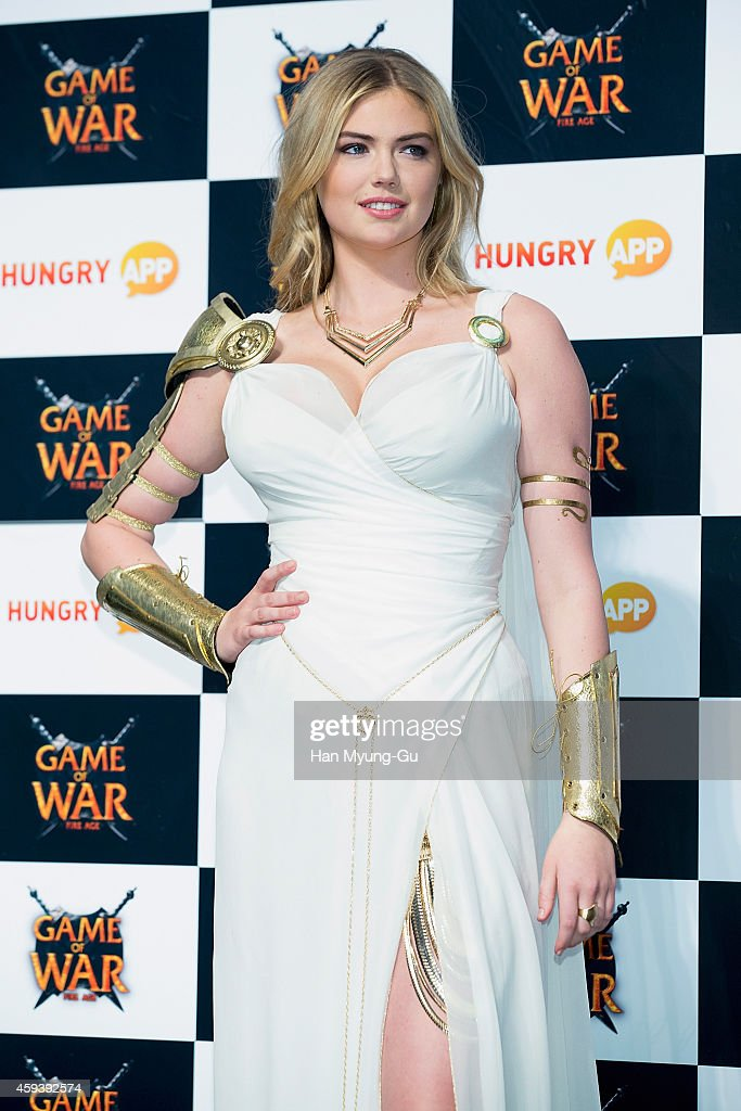 Kate upton attends the promotional event for game of war fire age