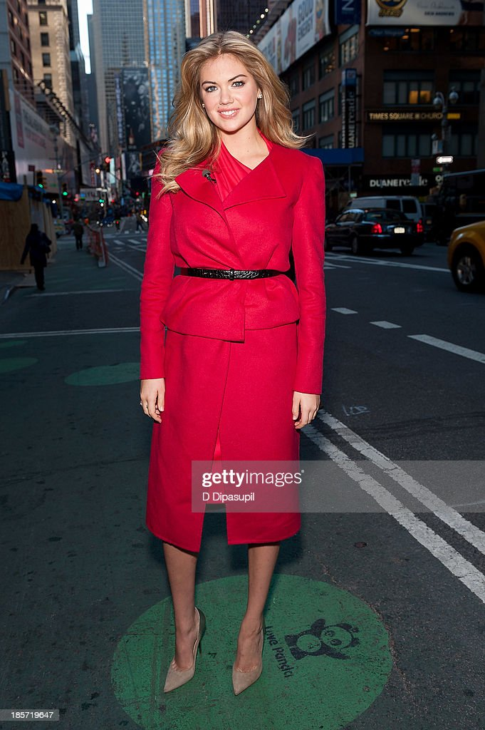 <a gi-track='captionPersonalityLinkClicked' href=/galleries/search?phrase=Kate+Upton&family=editorial&specificpeople=7488546 ng-click='$event.stopPropagation()'>Kate Upton</a> visits 'Extra' in Times Square on October 24, 2013 in New York City.