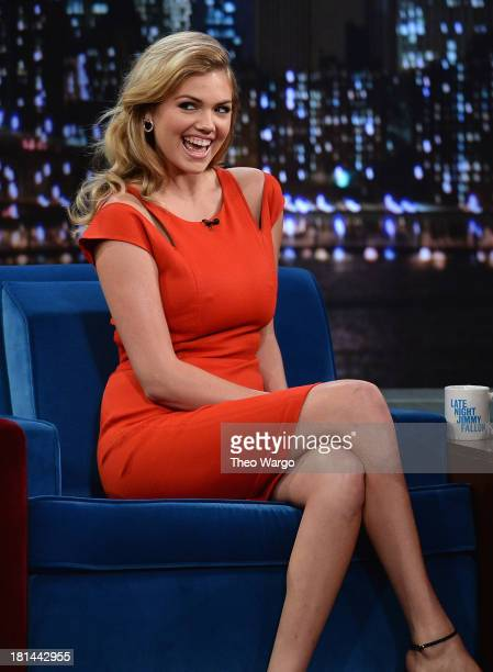Kate Upton visits 'Late Night with Jimmy Fallon' at Rockefeller Center on September 18 2013 in New York City