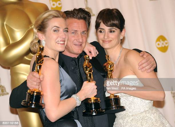 Kate Winslet Sean Penn and Penelope Cruz with their awards for Best Actress Best Actor and Best Actress in a Supporting Role at the 81st Academy...