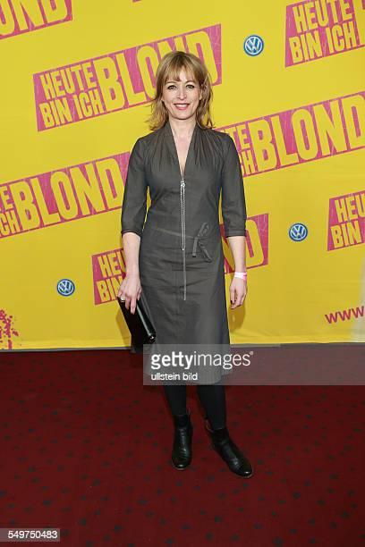 Katharina Abt die deutsche Schauspielerin und Synchronsprecherin bei der Deutschlandpremiere des Kinofilms Heute bin ich blond in Hamburg