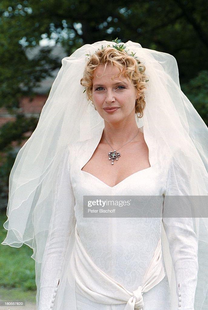 ... Freundes, Kottmarsdorf, bei Zittau,;Braut, Hochzeitskleid, Schleier