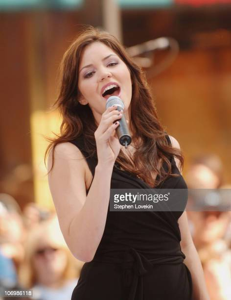 Katharine McPhee during Taylor Hicks and Katharine McPhee Perform on NBC's 'The Today Show' June 1 2006 at NBC Studios in New York New York United...