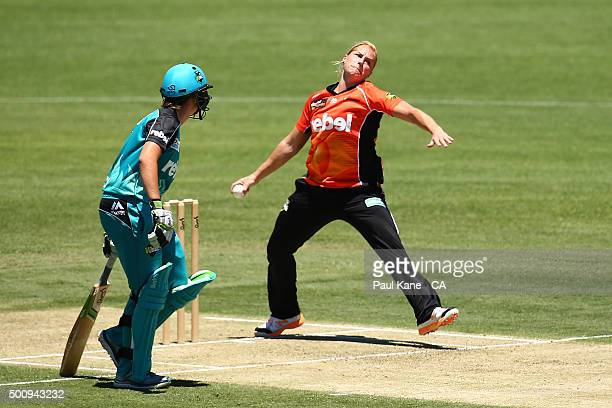 Katherine Brunt of the Scorchers bowls during the Women's Big Bash League match between the Perth Scorchers and the Brisbane Heat at Aquinas College...