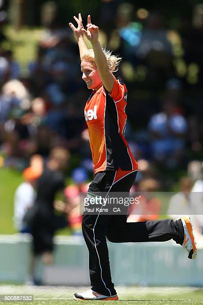 Katherine Brunt of the Scorchers celebrates the wicket of Kate Cross of the Heat during the Women's Big Bash League match between the Perth Scorchers...