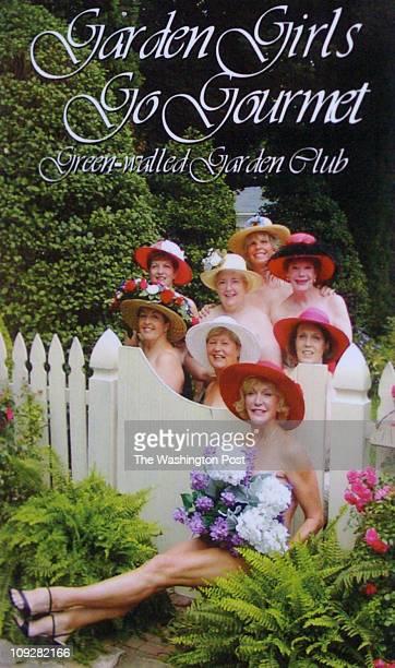 Katherine Frey/TWP Neg # freyk 162471 Frederick MD Frederick GreenWalled Garden Club poses naked for Holiday Cookbook The Garden Girls Go Gourmet...