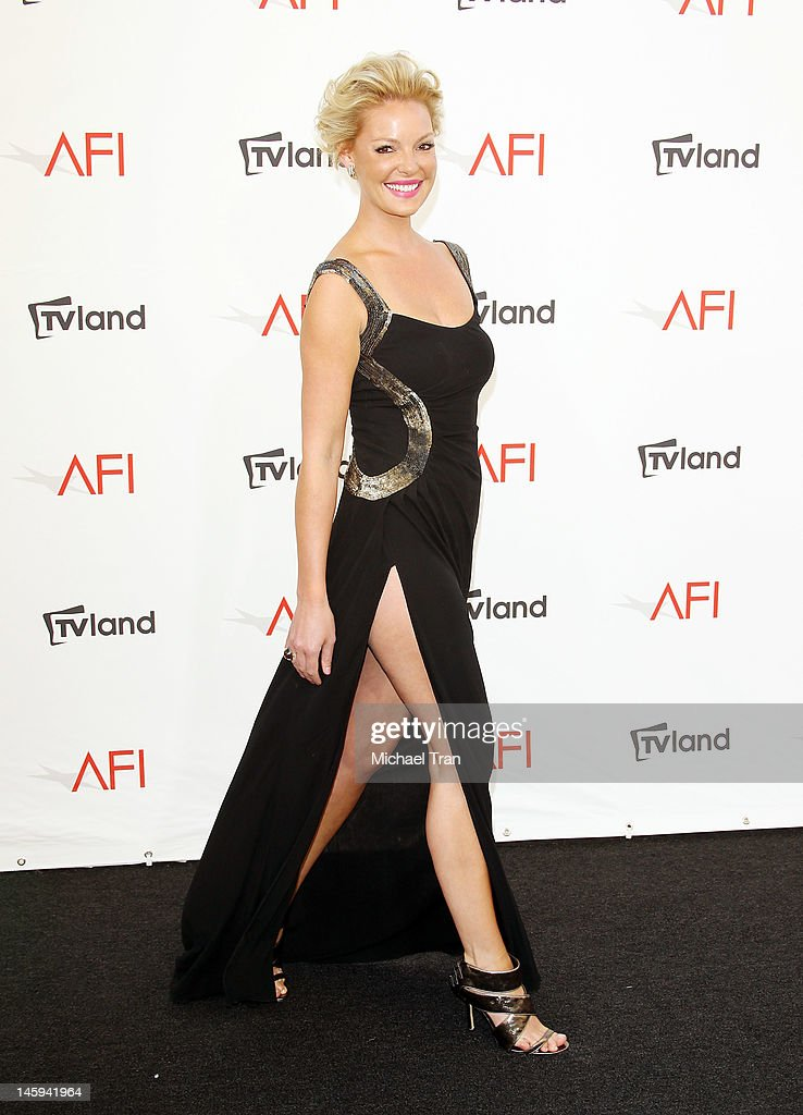 <a gi-track='captionPersonalityLinkClicked' href=/galleries/search?phrase=Katherine+Heigl&family=editorial&specificpeople=206952 ng-click='$event.stopPropagation()'>Katherine Heigl</a> arrives at TV Land Presents: AFI Life Achievement Award honoring Shirley MacLaine held at Sony Studios on June 7, 2012 in Los Angeles, California.