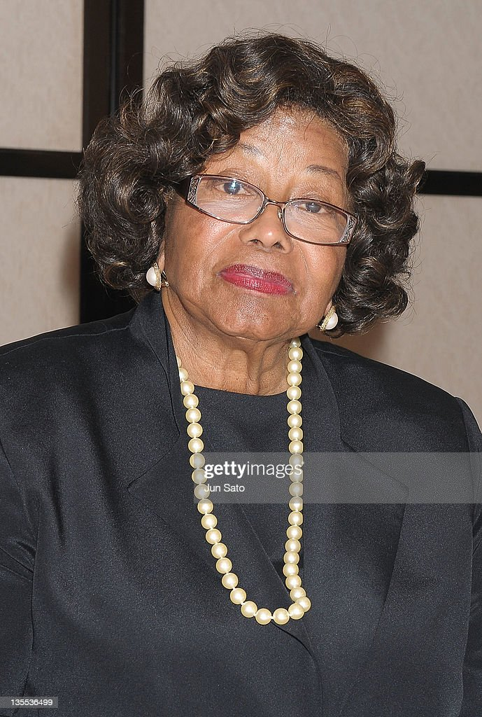<a gi-track='captionPersonalityLinkClicked' href=/galleries/search?phrase=Katherine+Jackson&family=editorial&specificpeople=201779 ng-click='$event.stopPropagation()'>Katherine Jackson</a> attends the press conference of 'Michael Jackson Children Foundation' at the Keio Plaza Hotel on December 12, 2011 in Tokyo, Japan.