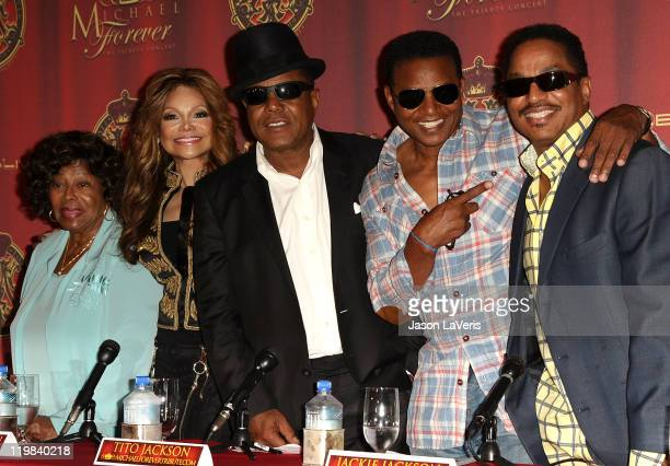 Katherine Jackson La Toya Jackson Tito Jackson Jackie Jackson and Marlon Jackson attend the Jackson Family press conference at Beverly Hills Hotel on...