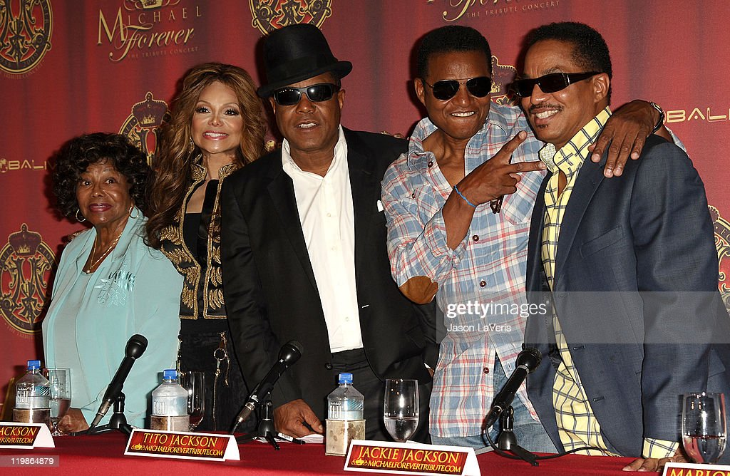 <a gi-track='captionPersonalityLinkClicked' href=/galleries/search?phrase=Katherine+Jackson+-+Jackson+Family&family=editorial&specificpeople=201779 ng-click='$event.stopPropagation()'>Katherine Jackson</a>, La Toya Jackson, <a gi-track='captionPersonalityLinkClicked' href=/galleries/search?phrase=Tito+Jackson&family=editorial&specificpeople=216556 ng-click='$event.stopPropagation()'>Tito Jackson</a>, <a gi-track='captionPersonalityLinkClicked' href=/galleries/search?phrase=Jackie+Jackson&family=editorial&specificpeople=212794 ng-click='$event.stopPropagation()'>Jackie Jackson</a> and <a gi-track='captionPersonalityLinkClicked' href=/galleries/search?phrase=Marlon+Jackson+-+Musician&family=editorial&specificpeople=914632 ng-click='$event.stopPropagation()'>Marlon Jackson</a> attend the Jackson Family press conference at Beverly Hills Hotel on July 25, 2011 in Beverly Hills, California.