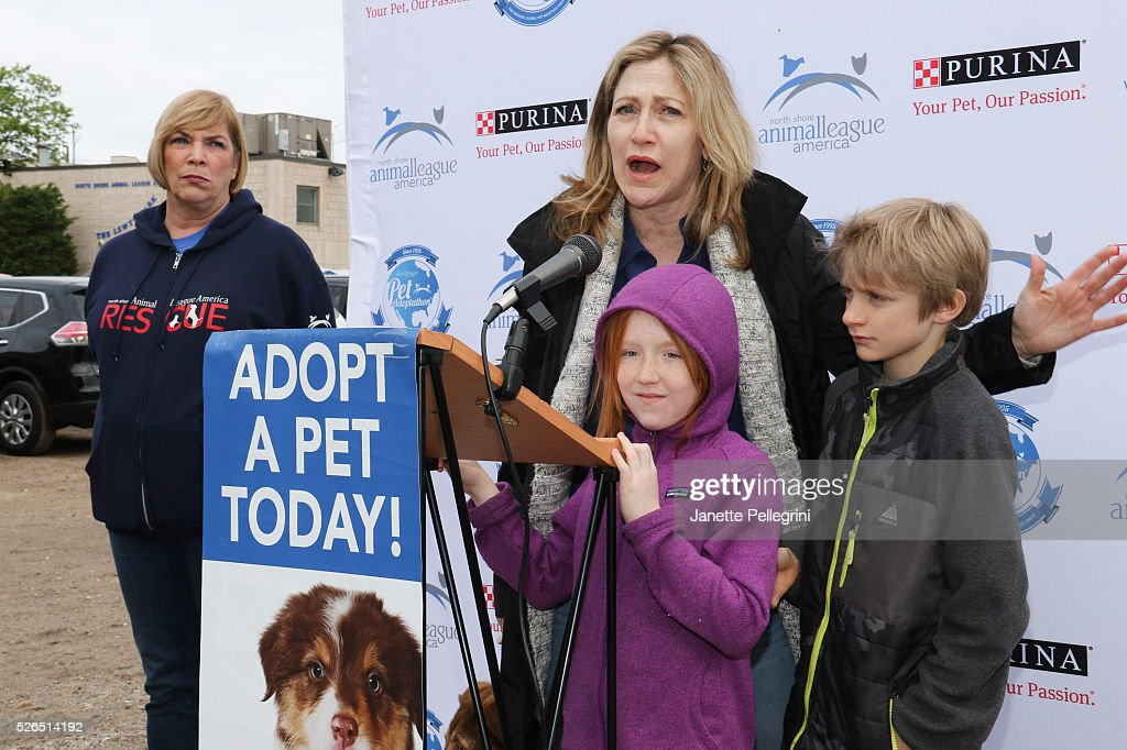 Kathleen Lynn and Edie Falco with her children Maisy Falco and Anderson Falco attend the 22nd Annual Global Pet Adoption Event at North Shore Animal League America on April 30, 2016 in Port Washington, New York.