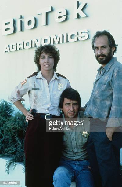 Kathleen Quinlan Sam Waterston and Jeffrey DeMunn pose for the 20th Century Fox movie 'Warning Sign' circa 1985