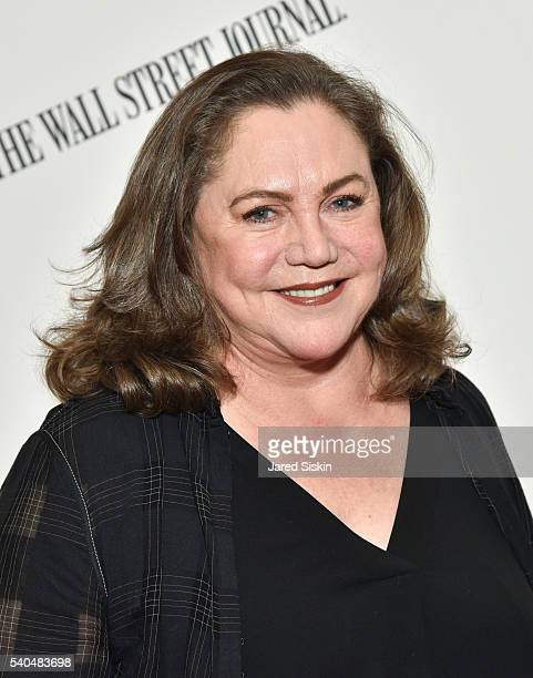 Kathleen Turner Stock Photos and Pictures | Getty Images