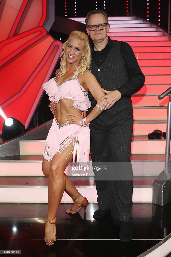 Kathrin Menzinger and Ulli Potofski smile during the 8th show of the television competition 'Let's Dance' on May 06, 2016 in Cologne, Germany.