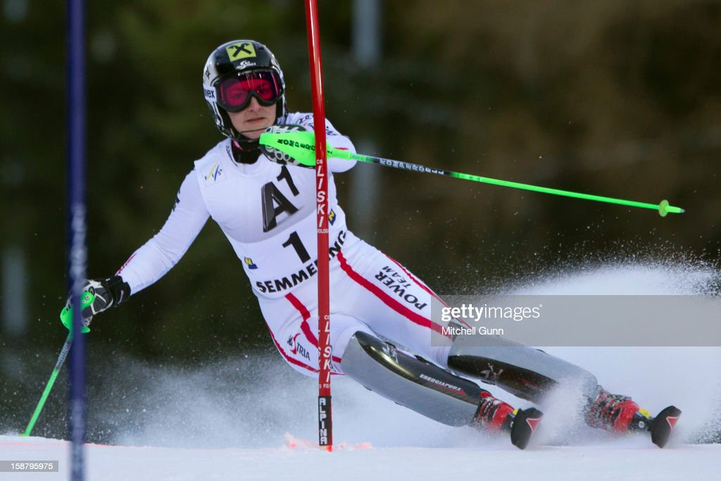 Kathrin Zettel of Austria races down the course whilst competing in the Audi FIS Alpine Ski World Cup Slalom Race on December 29, 2012 in Semmering, Austria.