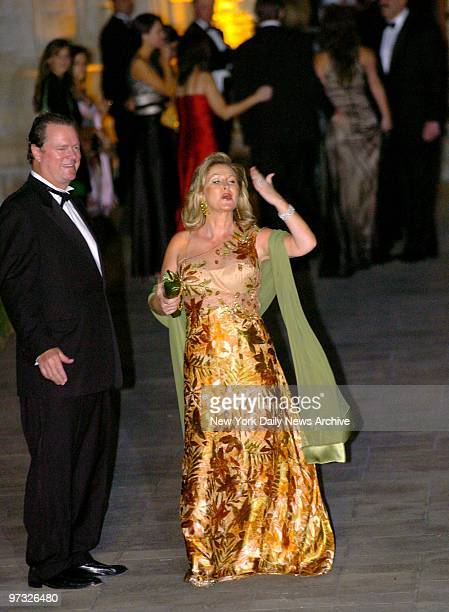 Kathy Hilton blows a kiss as she and husband Rick Hilton arrive at the Episcopal Church of BethesdabytheSea in Palm Beach Fla to attend the wedding...
