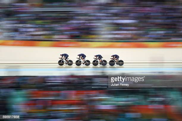 Katie Archibald Laura Trott Elinor Barker and Joanna RowsellShand of Great Britain compete in the Women's Team Pursuit Final for the Gold medal on...