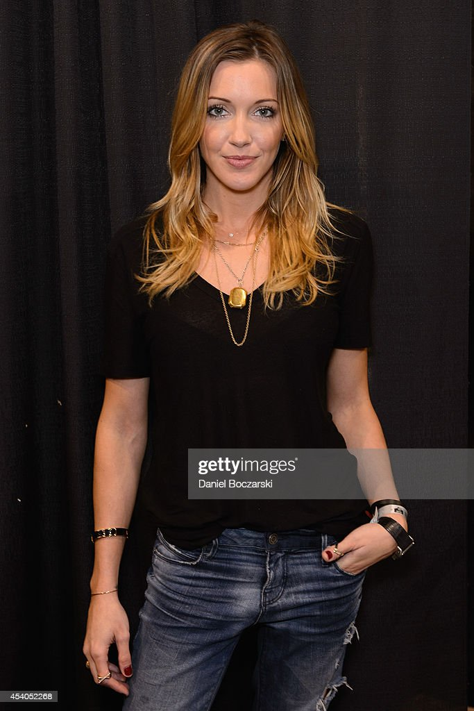 Katie Cassidy attends Wizard World Chicago Comic Con 2014 at Donald E. Stephens Convention Center on August 23, 2014 in Chicago, Illinois.