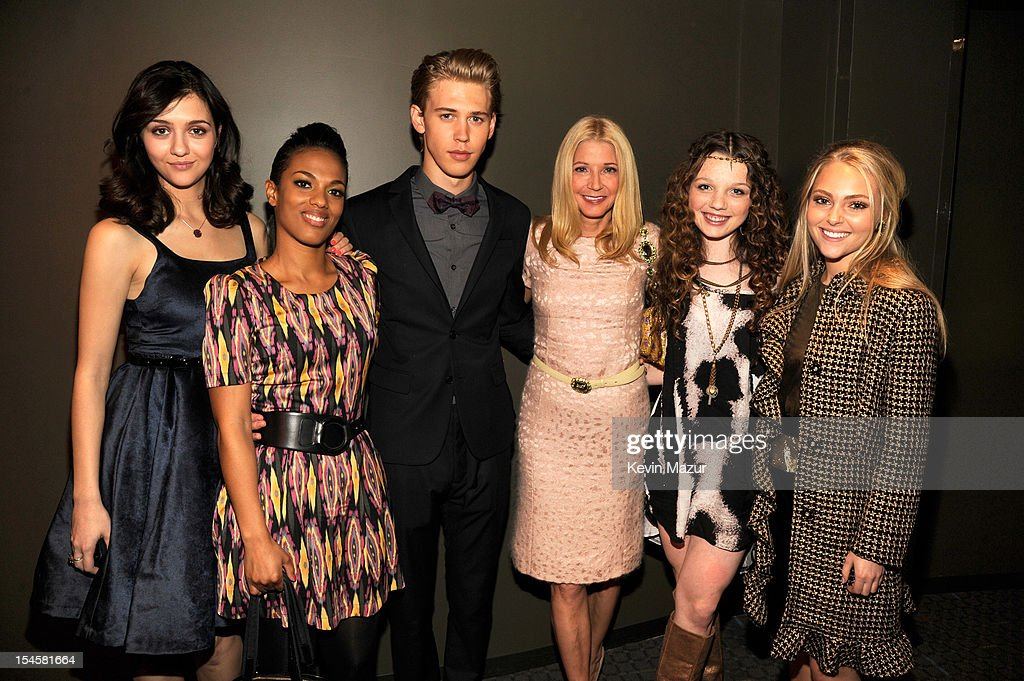 Katie Findlay, <a gi-track='captionPersonalityLinkClicked' href=/galleries/search?phrase=Freema+Agyeman&family=editorial&specificpeople=3484757 ng-click='$event.stopPropagation()'>Freema Agyeman</a>, Austin Butler, <a gi-track='captionPersonalityLinkClicked' href=/galleries/search?phrase=Candace+Bushnell&family=editorial&specificpeople=213075 ng-click='$event.stopPropagation()'>Candace Bushnell</a>, Stephania Owen and <a gi-track='captionPersonalityLinkClicked' href=/galleries/search?phrase=AnnaSophia+Robb&family=editorial&specificpeople=674007 ng-click='$event.stopPropagation()'>AnnaSophia Robb</a> attend the world premiere of 'The Carrie Diaries' at the New York Television Festival at SVA Theater on October 22, 2012 in New York City.