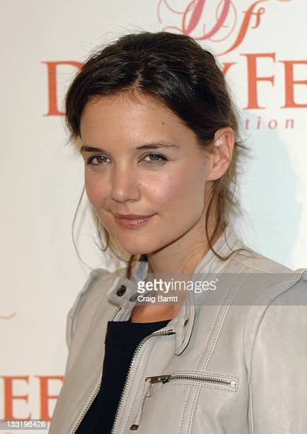 Katie Holmes arrives at the Dizzy Feet Foundation's Inaugural Celebration Of Dance at the Kodak Theatre on November 29 2009 in Hollywood California