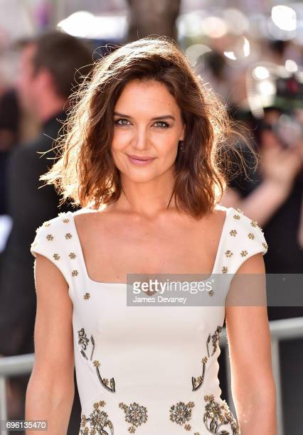 Katie Holmes arrives to the 2017 Fragrance Foundation Awards at Alice Tully Hall on June 14 2017 in New York City