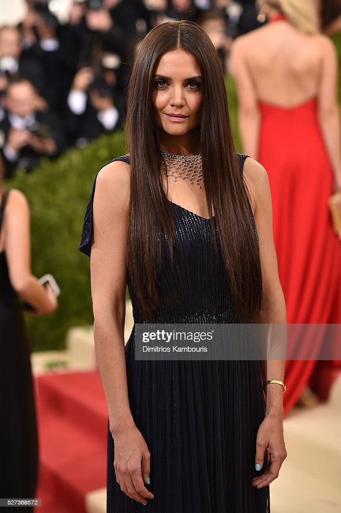 <a gi-track='captionPersonalityLinkClicked' href=/galleries/search?phrase=Katie+Holmes&family=editorial&specificpeople=201598 ng-click='$event.stopPropagation()'>Katie Holmes</a> attends the 'Manus x Machina: Fashion In An Age Of Technology' Costume Institute Gala at Metropolitan Museum of Art on May 2, 2016 in New York City.