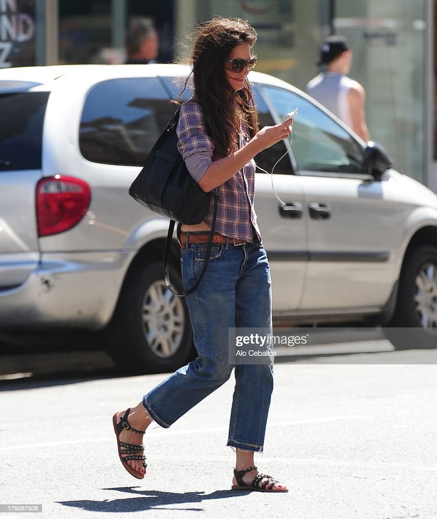 <a gi-track='captionPersonalityLinkClicked' href=/galleries/search?phrase=Katie+Holmes&family=editorial&specificpeople=201598 ng-click='$event.stopPropagation()'>Katie Holmes</a> is seen in Chelsea on September 5, 2013 in New York City.