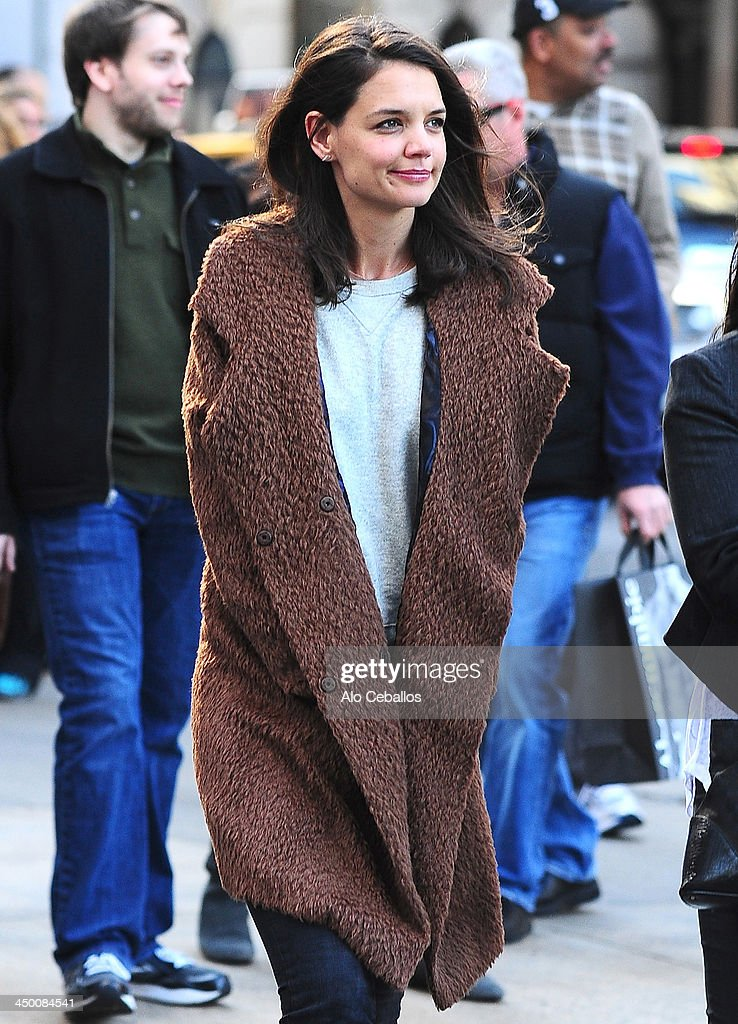 <a gi-track='captionPersonalityLinkClicked' href=/galleries/search?phrase=Katie+Holmes&family=editorial&specificpeople=201598 ng-click='$event.stopPropagation()'>Katie Holmes</a> is seen in Midtown on November 16, 2013 in New York City.