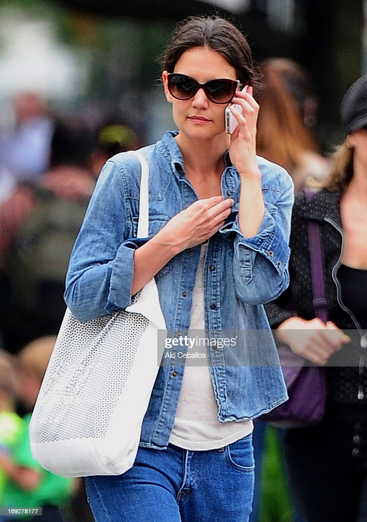 <a gi-track='captionPersonalityLinkClicked' href=/galleries/search?phrase=Katie+Holmes&family=editorial&specificpeople=201598 ng-click='$event.stopPropagation()'>Katie Holmes</a> is seen in the West Village on May 22, 2013 in New York City.