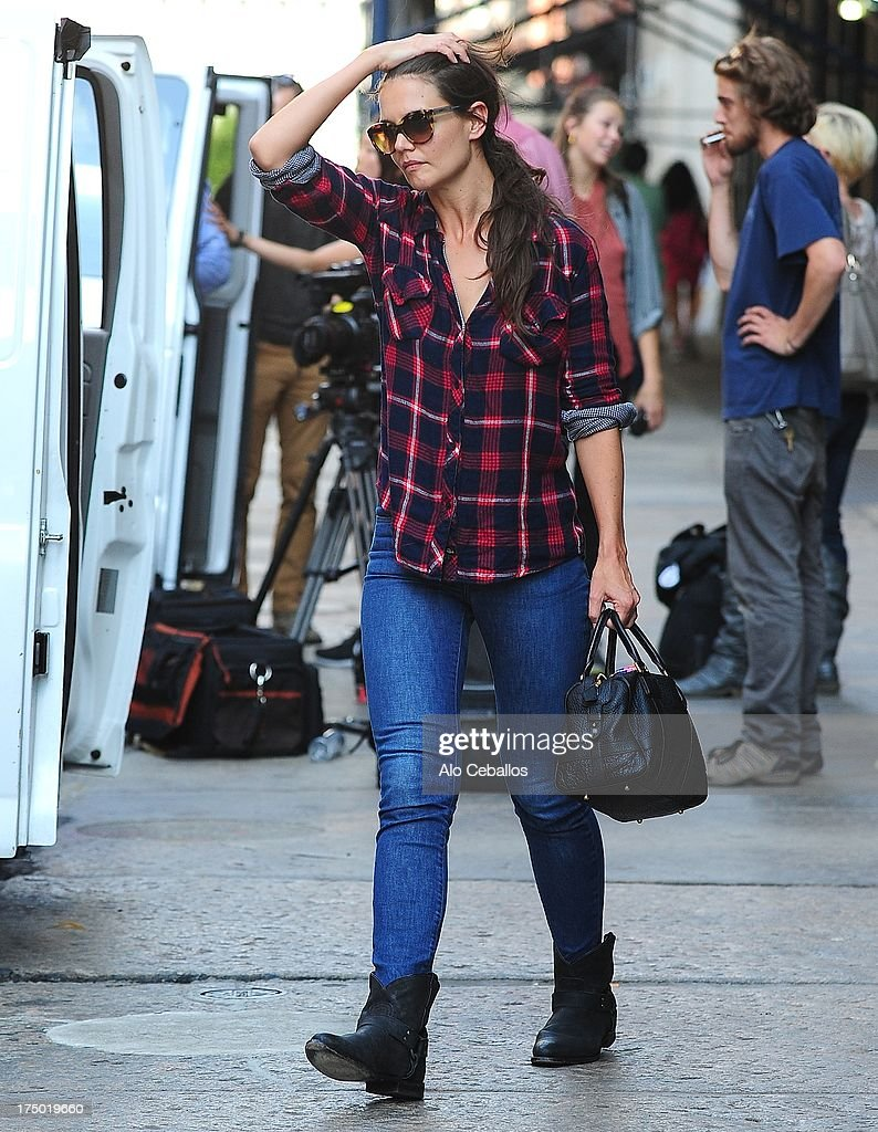 <a gi-track='captionPersonalityLinkClicked' href=/galleries/search?phrase=Katie+Holmes&family=editorial&specificpeople=201598 ng-click='$event.stopPropagation()'>Katie Holmes</a> is seen in Tribeca on July 29, 2013 in New York City.