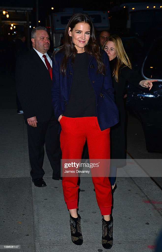 Katie Holmes leaves the 'Late Show with David Letterman' at Ed Sullivan Theater on December 20, 2012 in New York City.