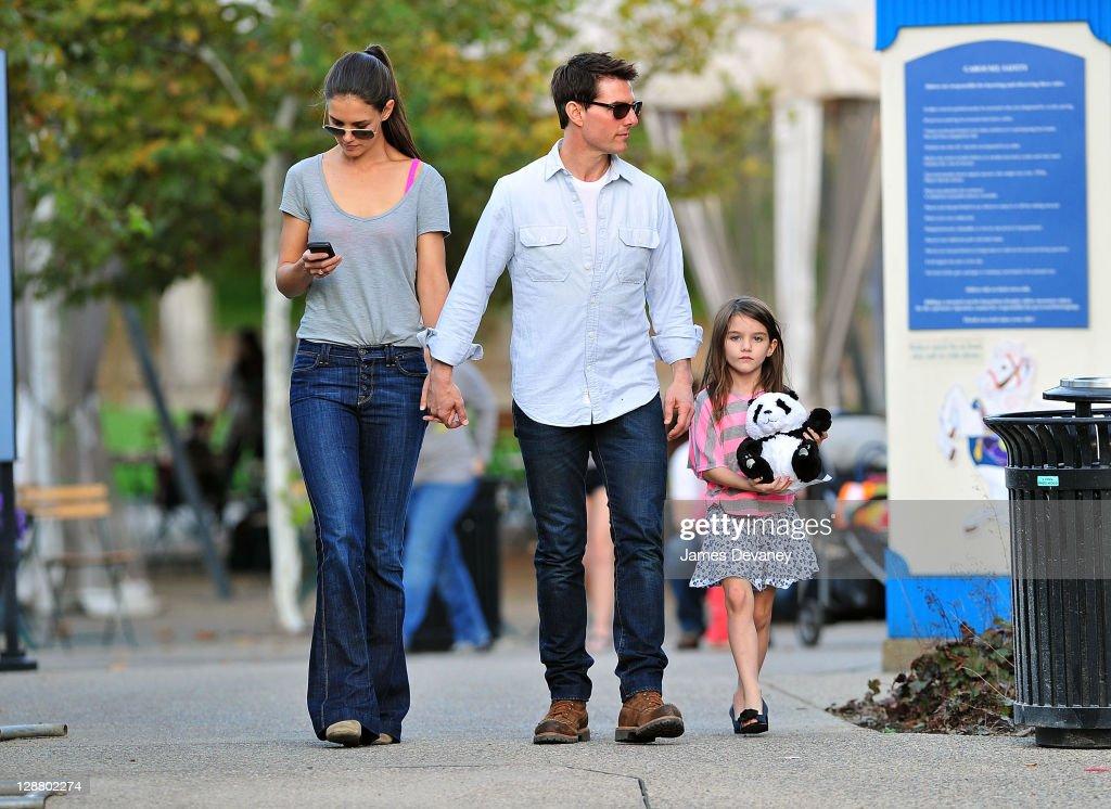 Tom Cruise, Katie Holmes & Suri Visit The Schenley Plaza Carousel