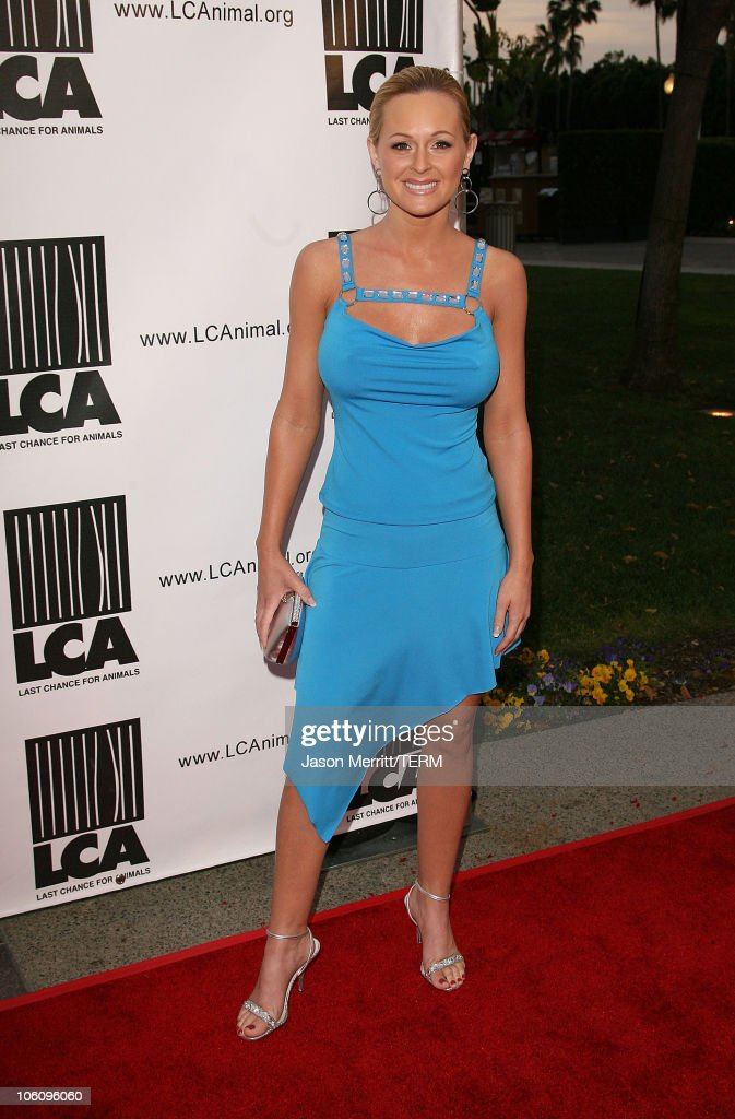 """""""Dealing Dogs"""" Los Angeles Premiere - Red Carpet"""