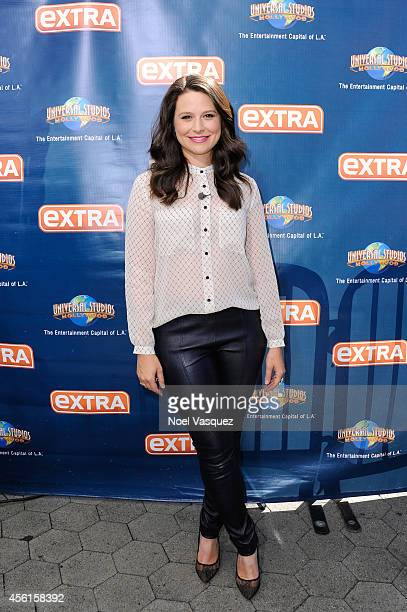Katie Lowes visits 'Extra' at Universal Studios Hollywood on September 26 2014 in Universal City California
