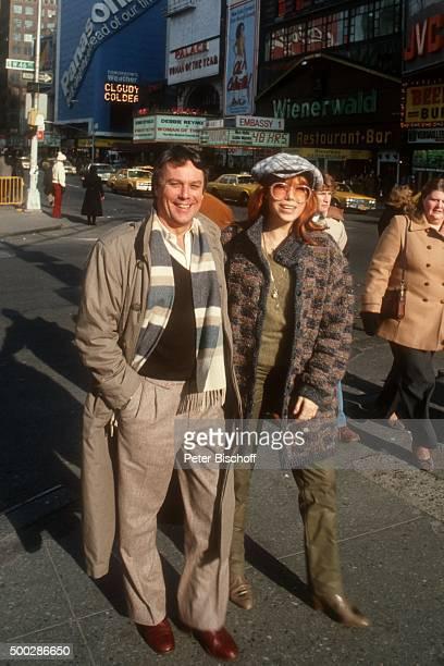 'Katja Ebstein Ehemann Klaus Überall Urlaub am in New York USA '
