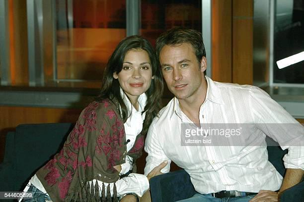 Katja Woywood und Marco Girnth Schauspielerehepaar D Gaeste in der Johannes B KernerShow