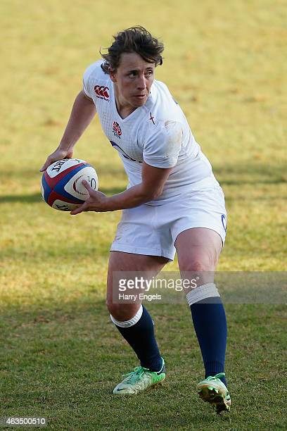 Katy McLean of England prepares to pass the ball during the Women's Six Nations match between England and Italy at Twickenham Stoop on February 15...