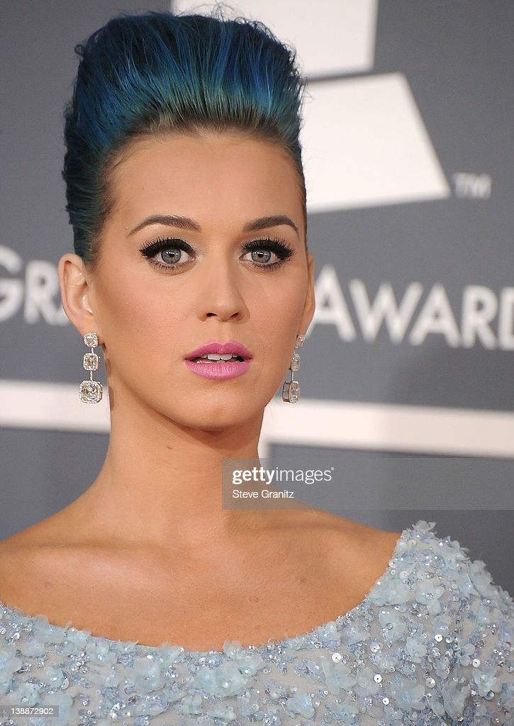 <a gi-track='captionPersonalityLinkClicked' href=/galleries/search?phrase=Katy+Perry&family=editorial&specificpeople=599558 ng-click='$event.stopPropagation()'>Katy Perry</a> arrives at The 54th Annual GRAMMY Awards at Staples Center on February 12, 2012 in Los Angeles, California.