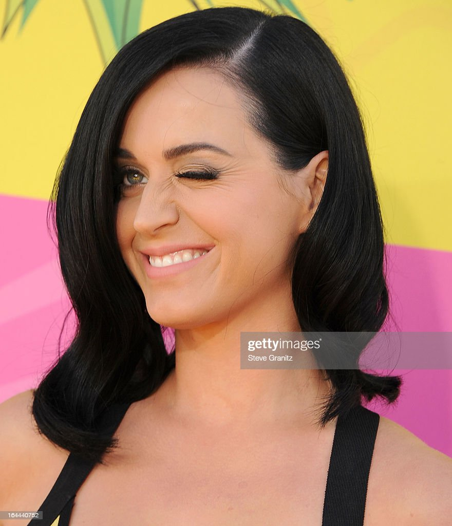 Katy Perry arrives at the Nickelodeon's 26th Annual Kids' Choice Awards at USC Galen Center on March 23, 2013 in Los Angeles, California.