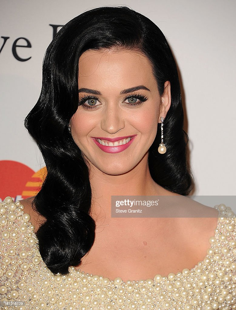 <a gi-track='captionPersonalityLinkClicked' href=/galleries/search?phrase=Katy+Perry&family=editorial&specificpeople=599558 ng-click='$event.stopPropagation()'>Katy Perry</a> arrives at the The 55th Annual GRAMMY Awards - Pre-GRAMMY Gala And Salute To Industry Icons Honoring L.A. Reid on February 9, 2013 in Los Angeles, California.