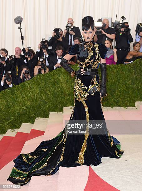 Katy Perry arrives for the 'Manus x Machina Fashion In An Age Of Technology' Costume Institute Gala at Metropolitan Museum of Art on May 2 2016 in...