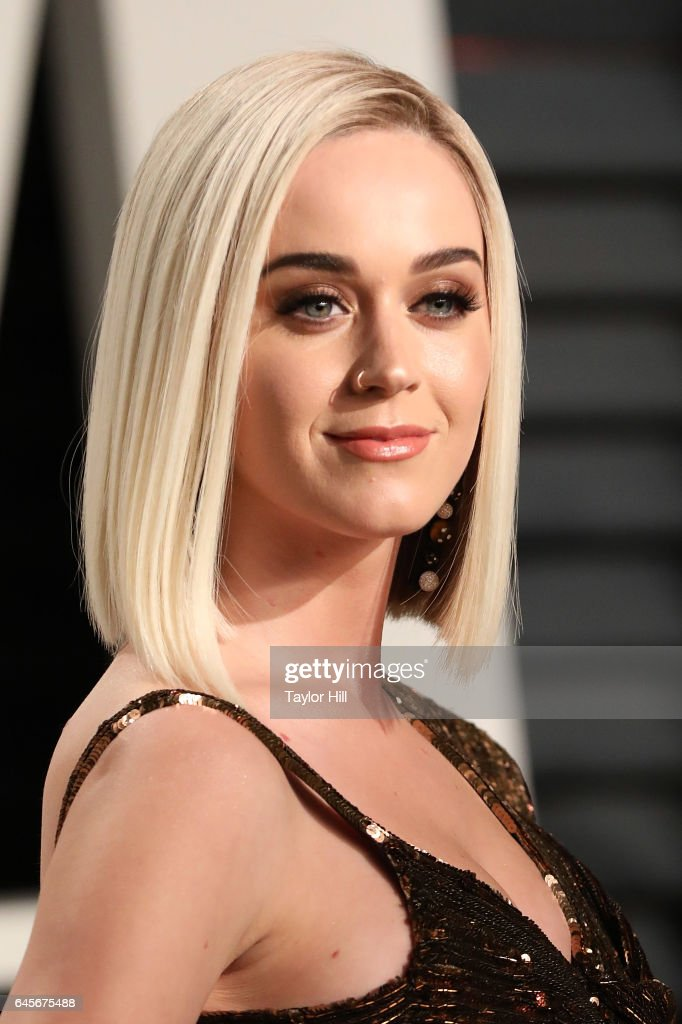 Katy Perry attends 2017 Vanity Fair Oscar Party Hosted By Graydon Carter at Wallis Annenberg Center for the Performing Arts on February 26, 2017 in Beverly Hills, California.
