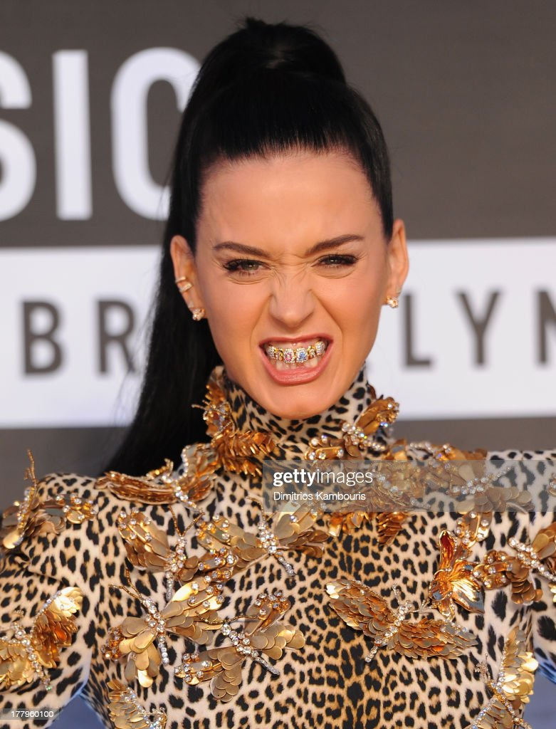 <a gi-track='captionPersonalityLinkClicked' href=/galleries/search?phrase=Katy+Perry&family=editorial&specificpeople=599558 ng-click='$event.stopPropagation()'>Katy Perry</a> attends the 2013 MTV Video Music Awards at the Barclays Center on August 25, 2013 in the Brooklyn borough of New York City.